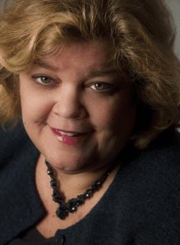 Anne Ortelee Headshot